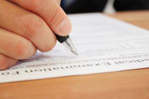 初診受付・問診票の記入